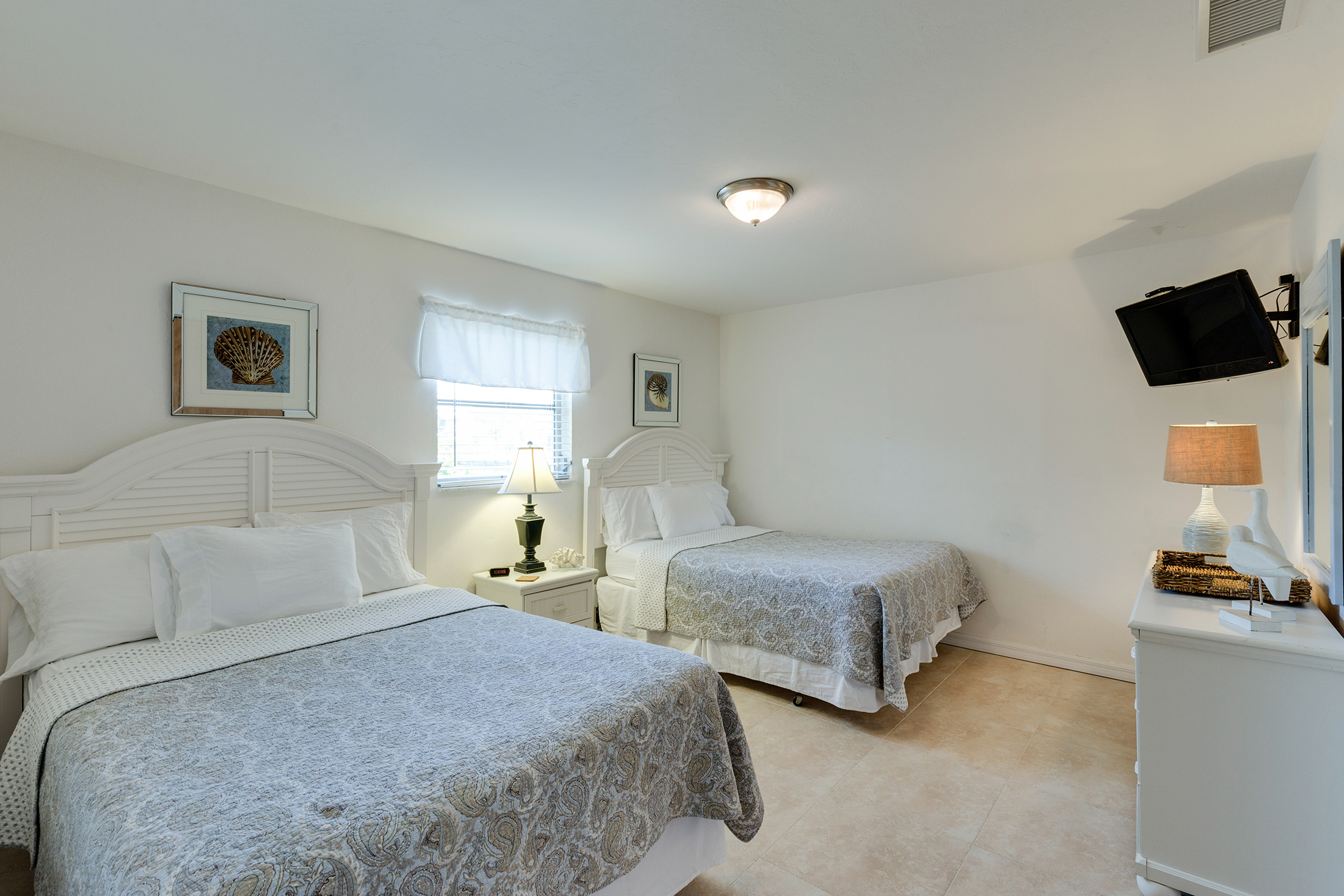 Picture of: Rooms Southernmost Inn